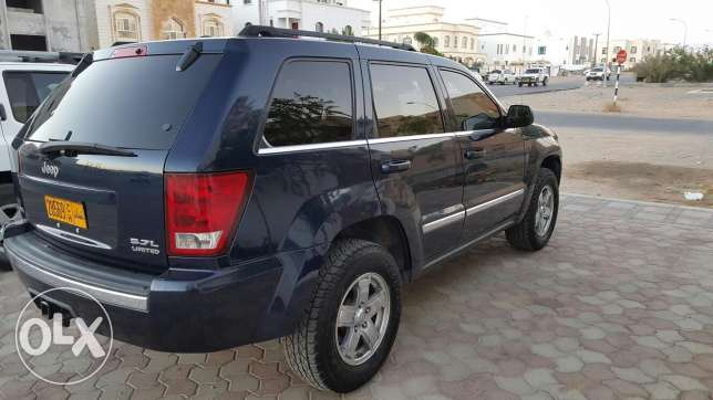 Grand Cherokee in exceptional condition السيب -  2