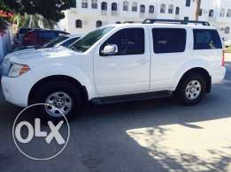2012 Pathfinder 7 seater V6,4000 cc,agency suhail bahwan service