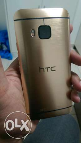 Htc one m9 32 gb gold color new box piece مسقط -  1