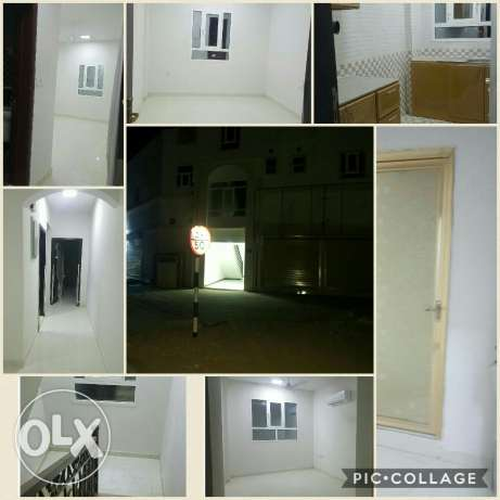 Apartment and shops for rent in alamrat مسقط -  1