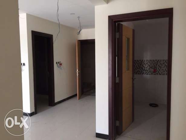 e1 nice flat for rent brand new in al qurum 2 bhk بوشر -  4