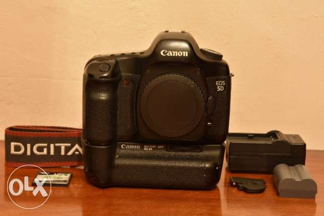 Canon EOS 5D 12.8MP Digital SLR Camera (body only) + battery grip