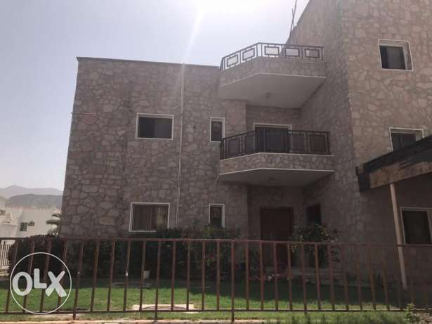 CCL1- Luxurious Big Beautiful 3 BHK Flat For Rent in Madinat Qaboos
