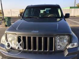 jeep Cherokee 4x4 wheel drive.oman Car .Gulf specifications