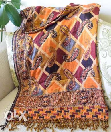 Woolen Shawl with handmade work مسقط -  2
