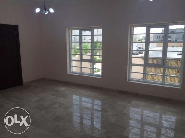 Mawaleh South - 5 Bedroom Villa For Rent مسقط -  4
