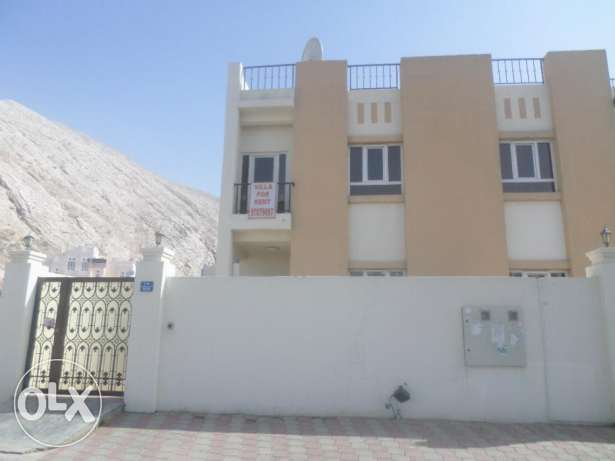 3 BR Lovely Twin Villa in Bausher