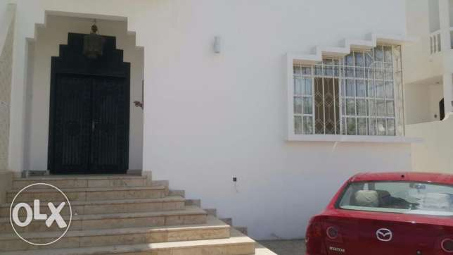 2 BHK apartment in Al Khuwair 33 - 2 bedrooms - hall - kitchen
