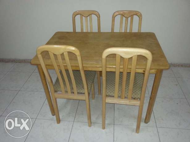 Wooden Dinning Table with 4 Chairs and Metal Cot مسقط -  2