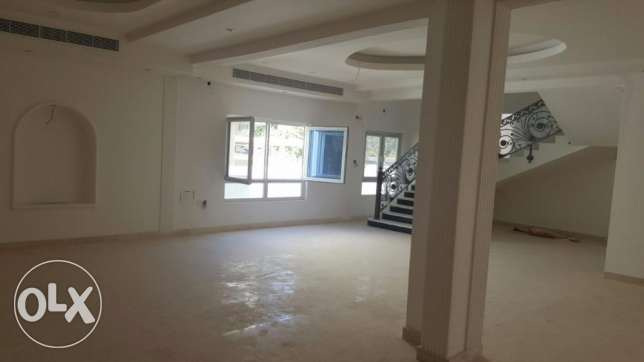 (Prime Location) 7BHK Villa for Sale in Azaiba behind Al Fair