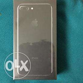 Selling brand new in box unopened Iphone 7 (128gb) صحار -  3