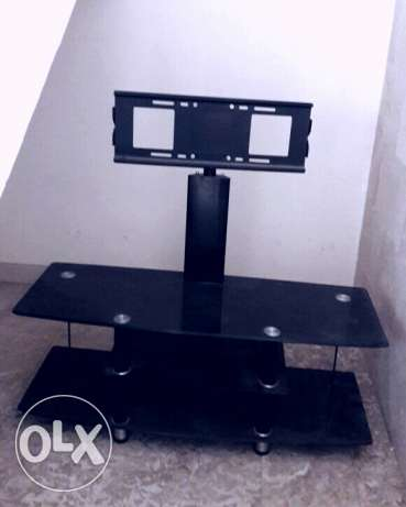 Hard glass tv unit no scratches or breaks