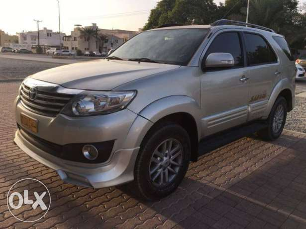 Toyota Fortuner 2013 (4.0) GCC Car (Exclusive Edition) مسقط -  6