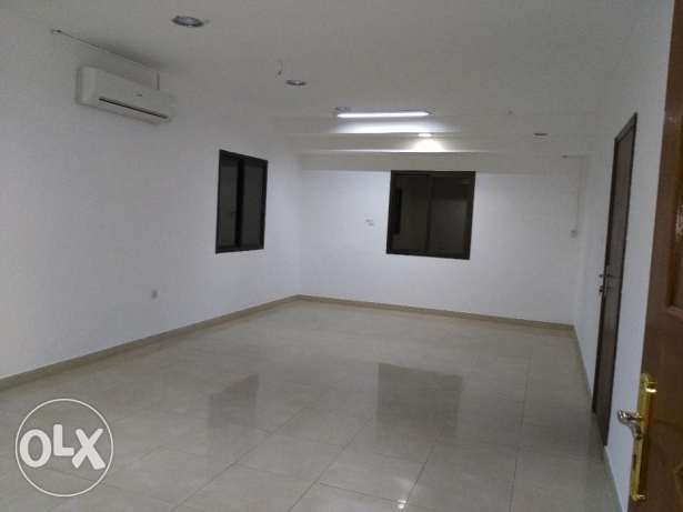 3 bhk flat available in alkhuwair near zakher mall