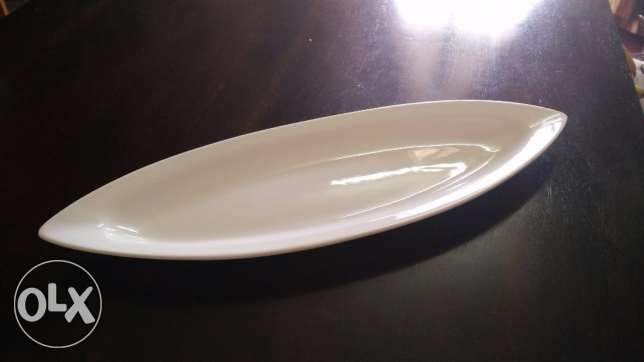 White porcelain serving tray by roqueford