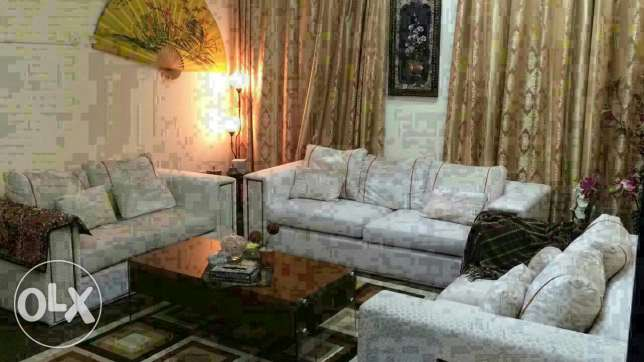 Sofa set (3+2+2) bought from home centre ( in excellent condition) مسقط -  1