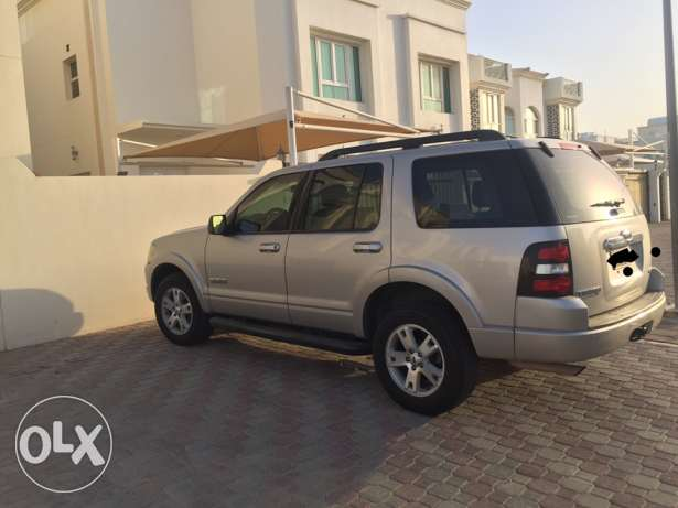 Expat owned agency serviced Ford Explorer 4.0