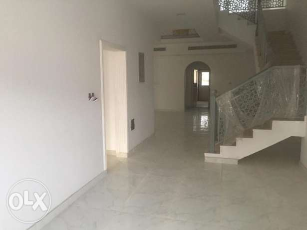 brand new villa for rent in boshar behind muscat private hospital. بوشر -  2