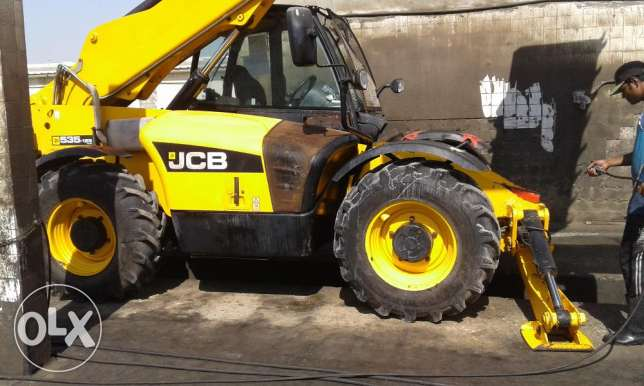 Job boomloader 535-125 for sale مسقط -  3