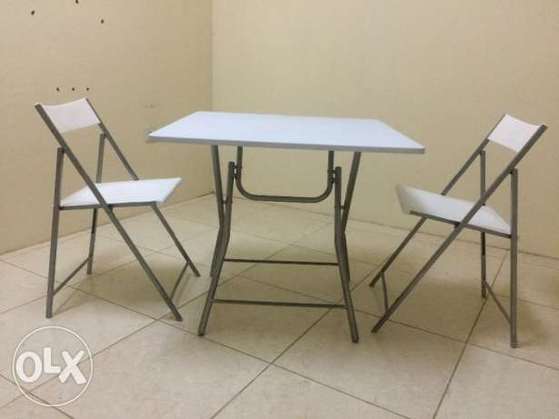 Portable table + 3 chairs