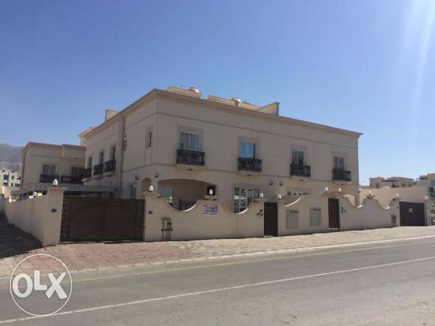 6 Villa Compound for rent in Boshar Almuna