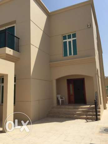 villa for rent in alhail north with twoo kitchens