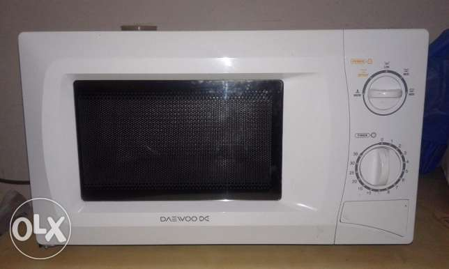 Microwave Oven - Available for Sale (With Warranty of 1.5 Year) مسقط -  1