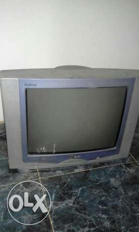 "32"" tv with dish tv receiver"