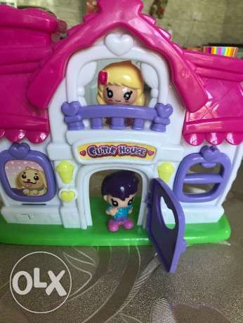 Doll house for sale