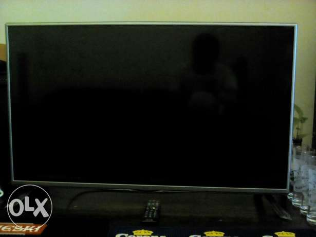 8 month old LG 42inch tv. dish tv receiver مسقط -  3