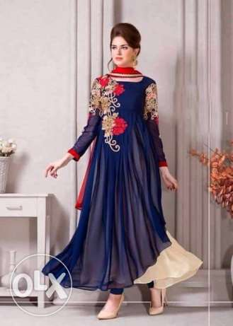Designers semi detached suits with discounted rates روي -  2