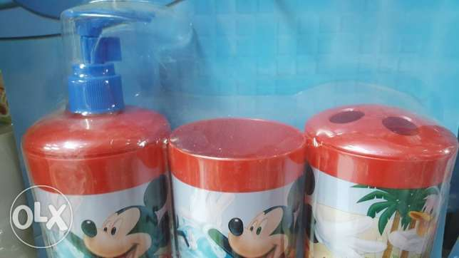 disney bathroom set- 3 pieces- for shower gel, soap and tooth brush