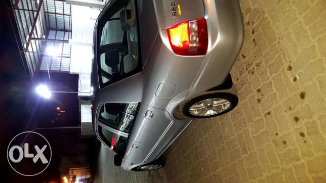 good condition. new tyres rims. 1.6 engine. inside outside good صلالة -  3