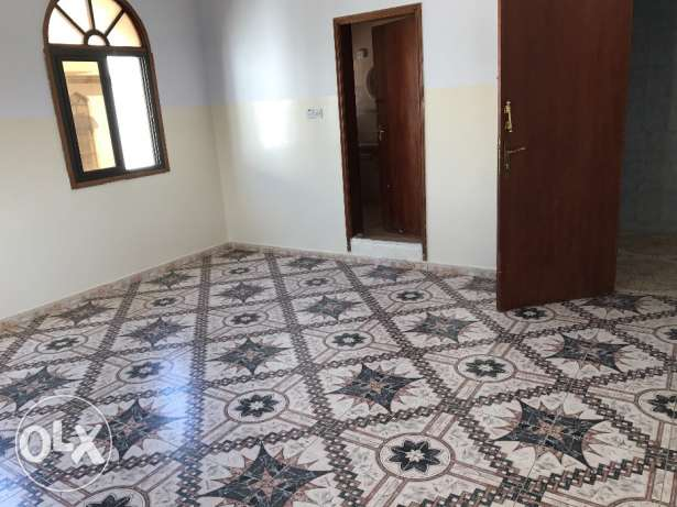 2BHK and 2 toilet in goubrah مسقط -  1