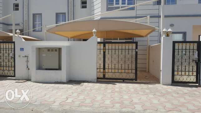 Brand new villa for rent in al khod 6 (AH101)