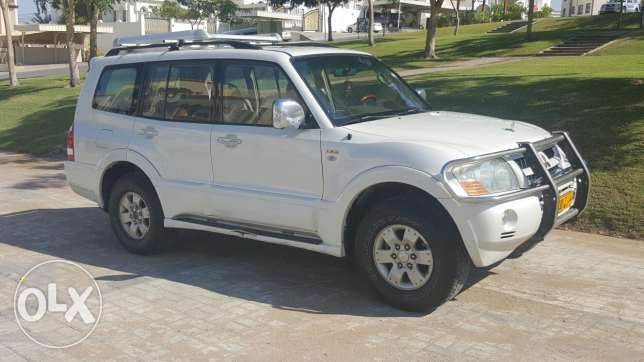Pajero 6 cylinders 3.8 litter very clean car first owner بوشر -  2