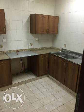 3bed room Flat for rent in Al Ghubrah very near to the Mars .