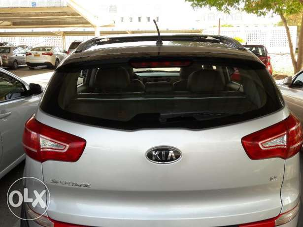 Fully Automatic Kia Sportage EX 2.4 from Oman KIA Panorama Navigation