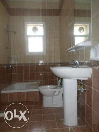 2 BR Lovely Penthouse Flat in Qurum بوشر -  4