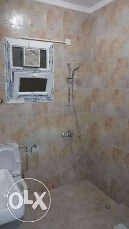 Azeba Room with private bathroom compound close to the sea code k.b8 مسقط -  4