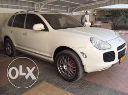 Porsche Cayenne V6 very clean