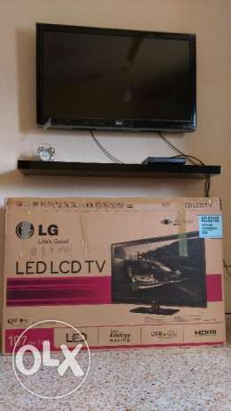 "LG TV LCD 42"" inch+ antina+dish TV setup box مسقط -  1"