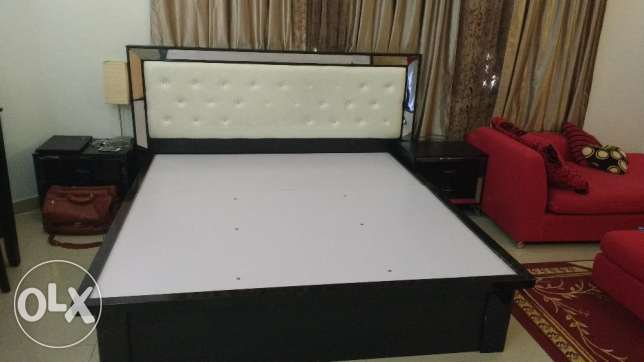 bed, cupboard, dressing table, TV, refrigerator, washing machine مسقط -  2