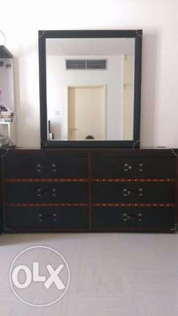 High quality Dresser with Spacious drawers
