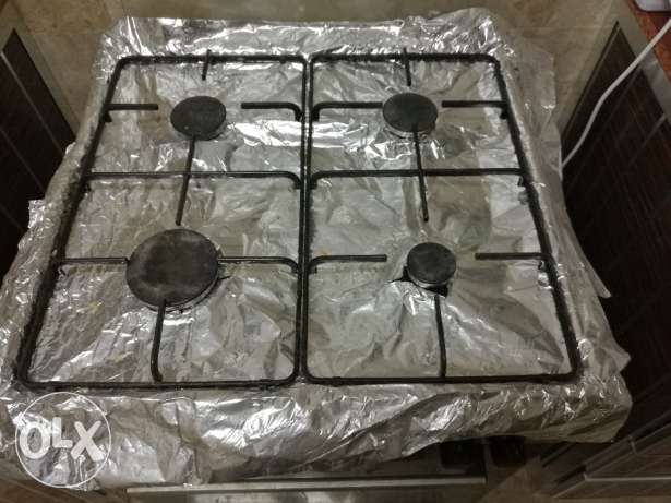 Bosch Electric 4 burner gas stove with cylinder