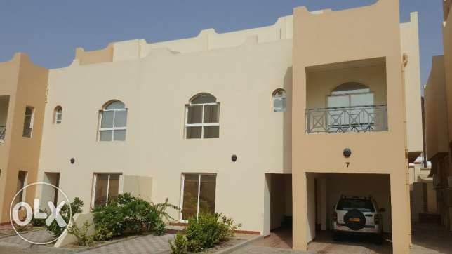 villa for rent in a coumpound al mouna