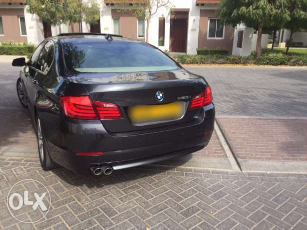 BMW 523i - 2011 full options in very good condition like new السيب -  2
