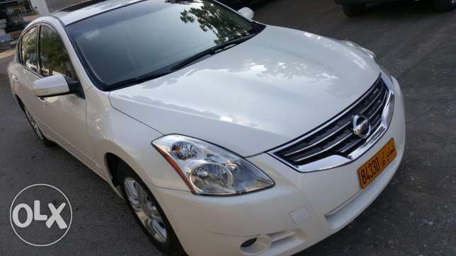 NISSAN Altima 2011 MINT CONDITION LIKE NEW 2.5CC Full Automatic