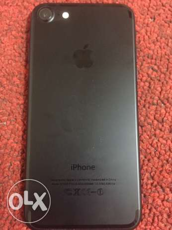 iphone 7 jetblack under warranty with all accessories