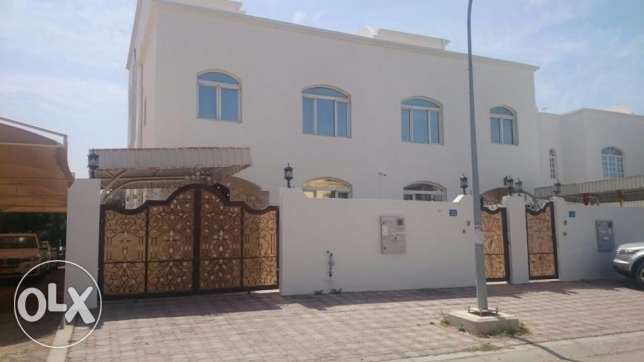 5BHK Al Ghubrah Villa FOR RENT near the Mosque & Midan Hotel pp39